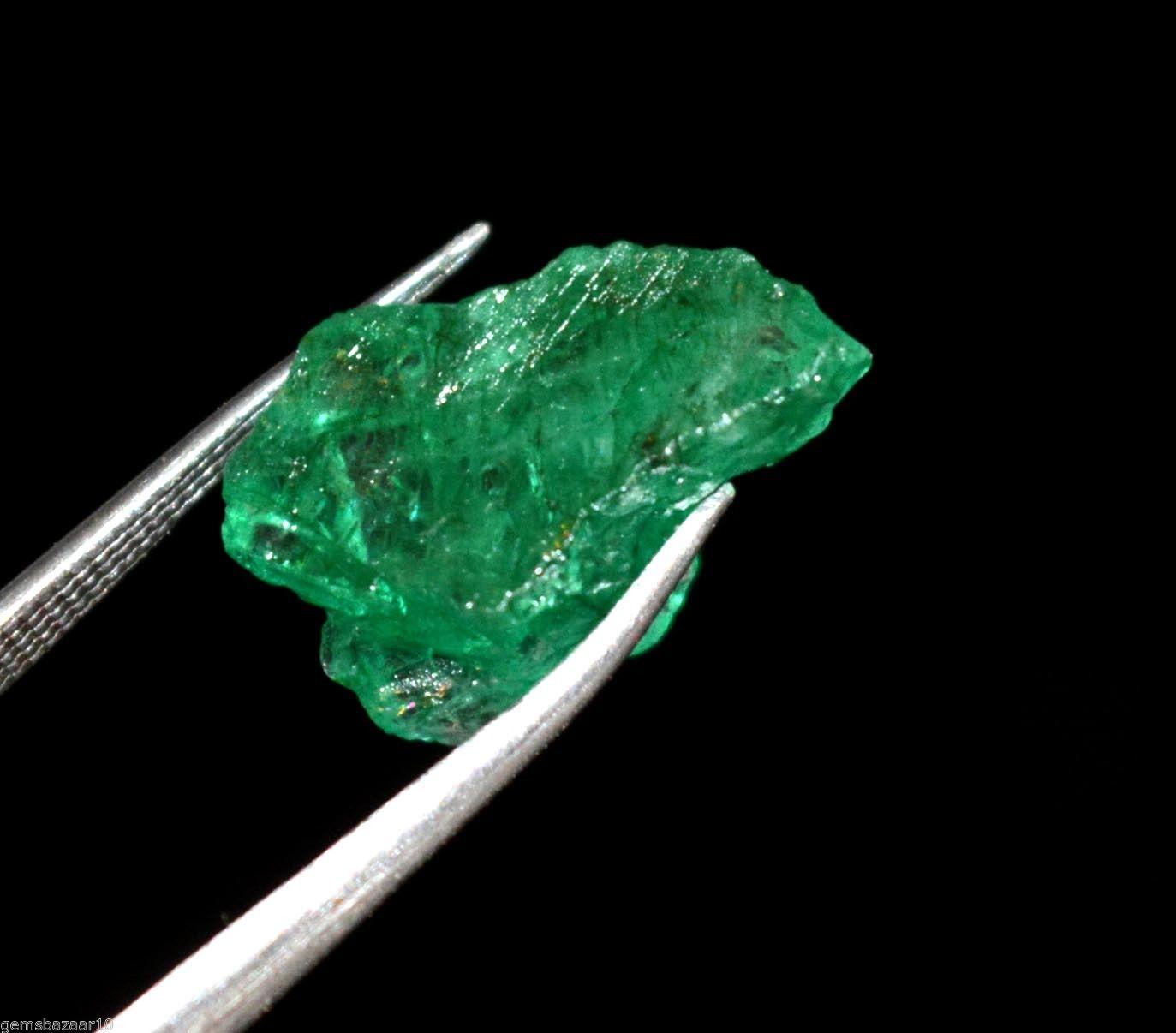 """אבן חן: אמרלד גלם לליטוש (קולומביה) תעודה 10.65 קרט מידות: 9*12*16 מ""""מ"""