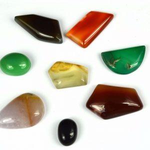 אבני חן: 8 יחידות אגט אוניקס מלוטש לשיבוץ (אפריקה) בצורות וצבעים מגוון