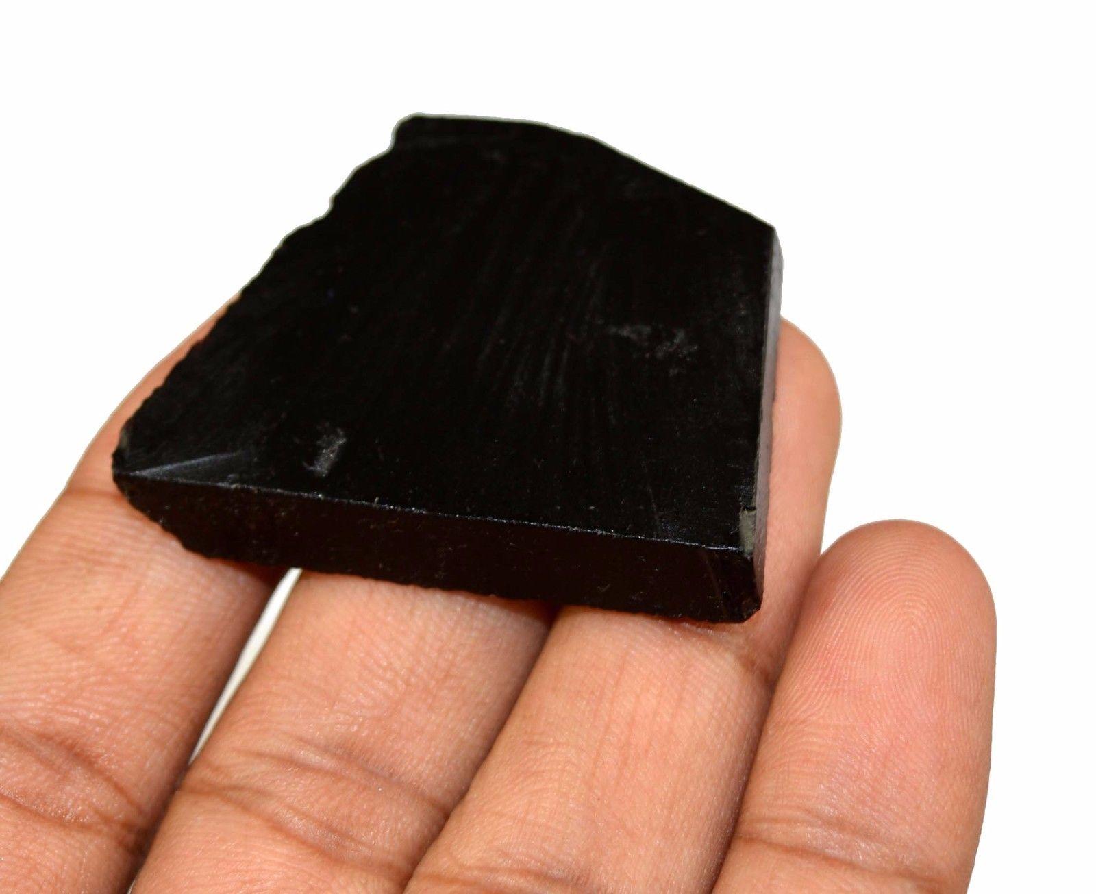 אבן חן: אוניקס שחור גלם לליטוש (ברזיל) 87 קרט