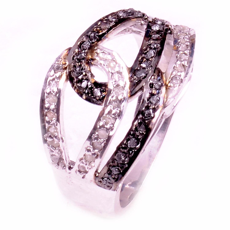 טבעת כסף בשיבוץ יהלומי גלם הטבעת: 1.00 קרט מידה: 7.5