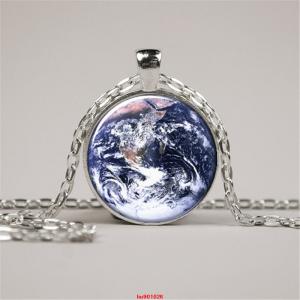 כדור הארץ... חיים...תליון ושרשרת מוכסף