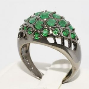 טבעת יוקרה כסף בשיבוץ אמרלד קולומביה 4 קרט מידה: 10.25