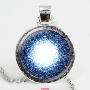 סמל סטארגייט הפתח לאטלנטיס תליון ושרשרת מוכסף גווני כחול