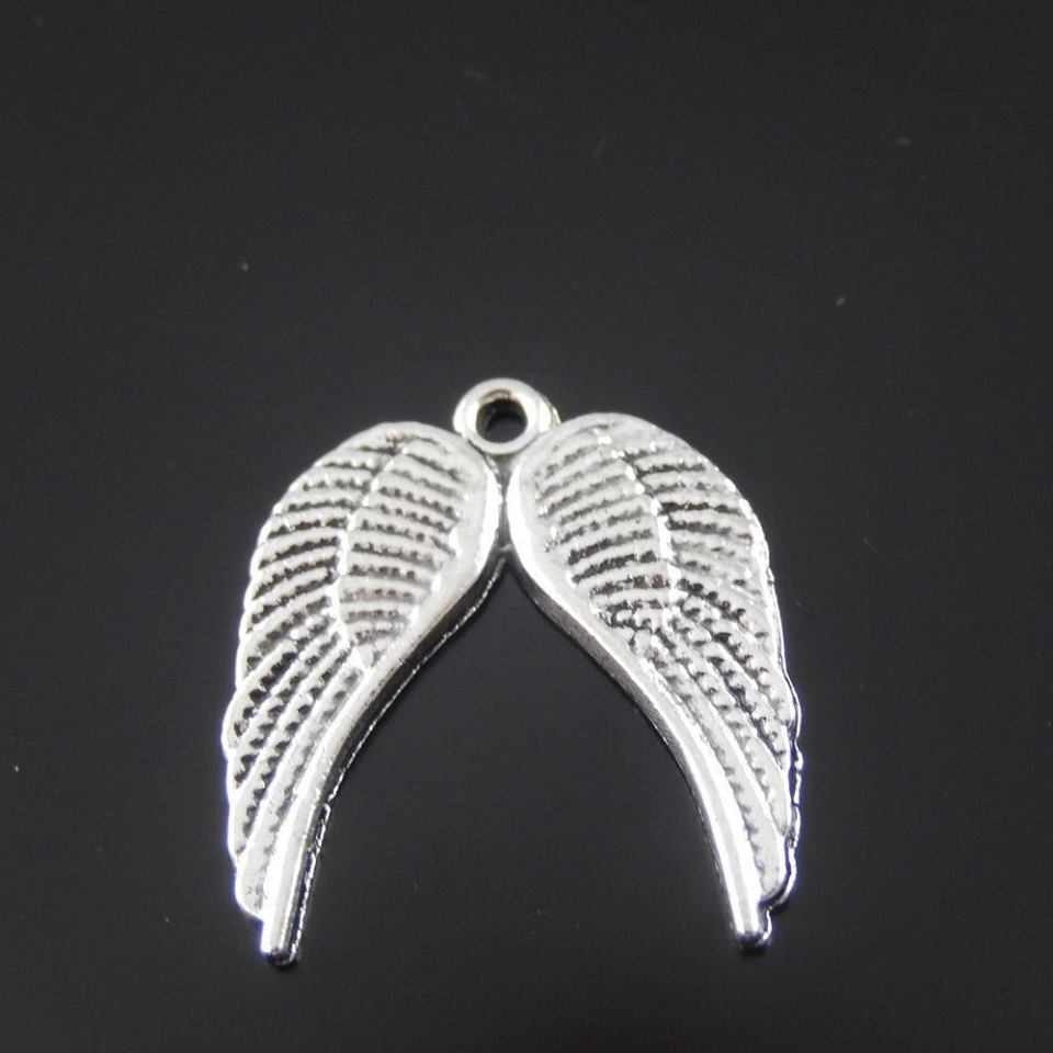 תליון כנפי מלאך מוכסף