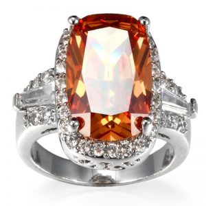טבעת מוכסף בשיבוץ טופז מידה 6 \ ומידה 8