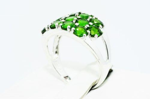 טבעת יוקרה כסף בשיבוץ 13 אבני דיופסיד מידה: 8.5
