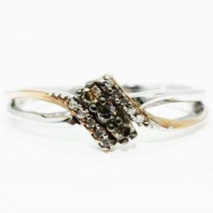טבעת כסף וזהב אדום בשיבוץ 3 יהלומים זהובים 12 יהלומים לבנים מידה 6