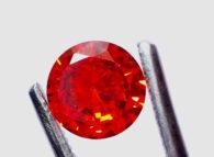 זירקון טבעי אדום עיצוב עגול 5.50 קרט