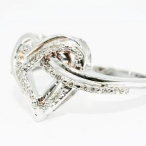 טבעת כסף 925 בשיבוץ יהלומים לבנים 20. קרט מידה: 7