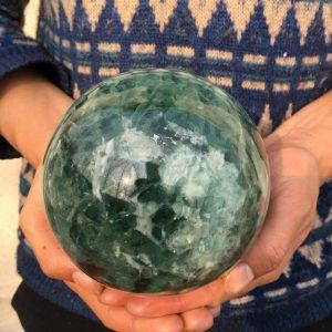כדור פלואורייט ירוק גדול לאספנים משקל: 3400 גרם