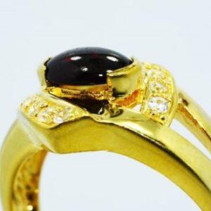 טבעת כסף 925 בציפוי זהב בשיבוץ גרנט וטופז לבן 1.45 קרט מידה: 9