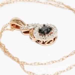 שרשרת ותליון זהב אדום 10 קרט בשיבוץ יהלום שחור ויהלומים לבנים 27. קרט