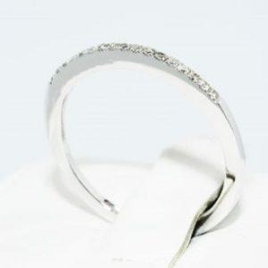 טבעת נישואין זהב לבן בשיבוץ יהלומים לבנים מידה: 7
