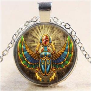 תליון ושרשרת מוכסף - חיפושית סמל מצריים הקדומה