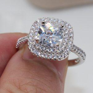 טבעת כסף בשיבוץ טופז לבן מידה : 9
