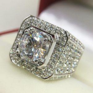 טבעת כסף בשיבוץ טופז לבן מידה: 7