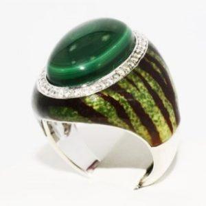 טבעת כסף בשיבוץ מלכית טופז לבן ועיטור אמייל מידה: 7.25