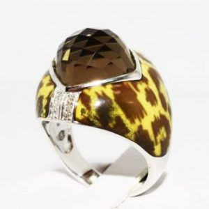 טבעת כסף בשיבוץ אבן סמוקי קוורץ ויהלומים לבנים 6.19 קרט עיטור אמייל מנומר מידה: 7.5