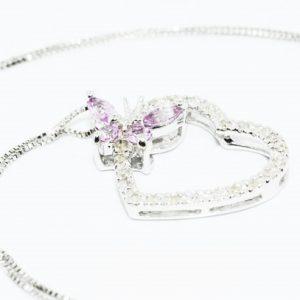 תליון ושרשרת זהב לבן 10 קרט בשיבוץ יהלומים לבנים וספיר ורוד 53. קרט עיצוב לב ופרפר