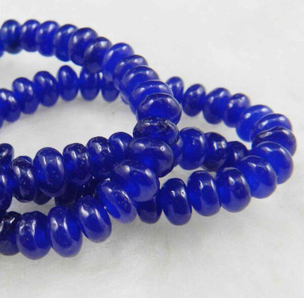 """תכשיטנות: שרשרת מאבני ג'ייד כחול מידה: 4*6 מ""""מ"""