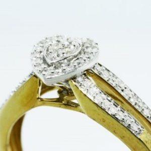 טבעת כסף 925 בציפוי זהב בשיבוץ יהלומים לבנים 21. קרט מידה: 7