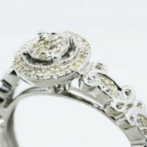 טבעת כסף 925 בשיבוץ יהלומים לבנים 13. קרט ניקיון יהלומים: SI3 מידה: 7.25
