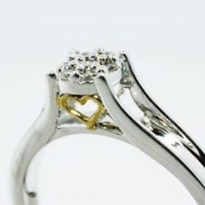 טבעת כסף 925 בשיבוץ יהלומים לבנים 10. קרט מידה: 6.25
