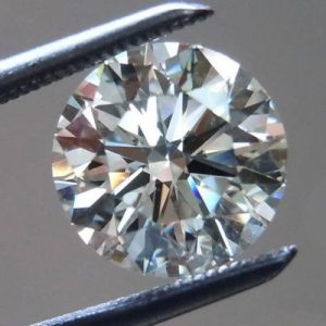 יהלום לבן עגול אפריקה + תעודה משקל: 0.072 קרט ניקיון: SI1-SI2