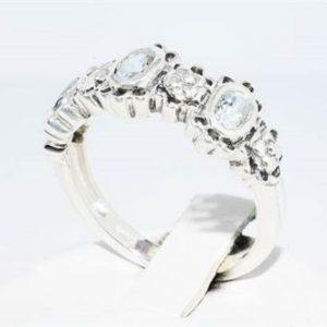 טבעת יוקרה כסף 925 בשיבוץ 3 אקוומרין משקל: 0.66 קרט מידה: 8.25