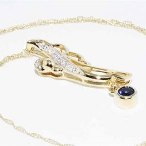 תליון ושרשרת זהב צהוב 10 קרט בשיבוץ ספיר + 6 יהלומים לבנים