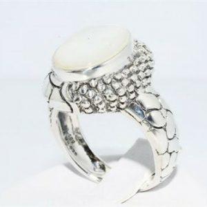 טבעת יוקרה כסף 925 בשיבוץ אם הפנינה 6.02 קרט במידה: 7.25
