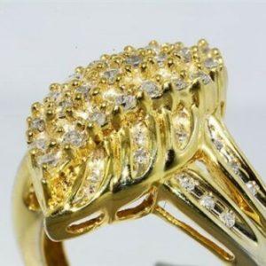 טבעת כסף ציפוי זהב בשיבוץ 46 יהלומים לבנים 65. קרט במידה: 6.75