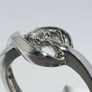 טבעת כסף 925 בשיבוץ יהלום לבן במשקל: 08. קרט ניקיון יהלום: I1 מידה: 7