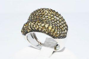 טבעת יוקרה כסף 925 בשיבוץ 176 אבני סיטרין במשקל: 5 קרט מידה: 7.25
