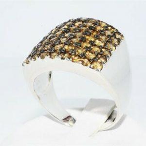 טבעת יוקרה כסף 925 בשיבוץ 61 סמוקי קוורץ במשקל אבני חן: 7.70 קרט מידה: 11.75