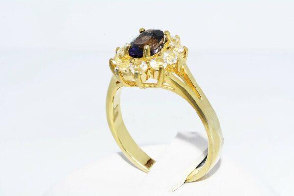 טבעת כסף 925 ציפוי זהב בשיבוץ איולייט טבעי 60. קרט ו- 10 טופז לבן 90. קרט מידה: 8