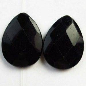 """אגט שחור מלוטש לשיבוץ בעיצוב טיפה מידה: 8*30*40 מ""""מ"""