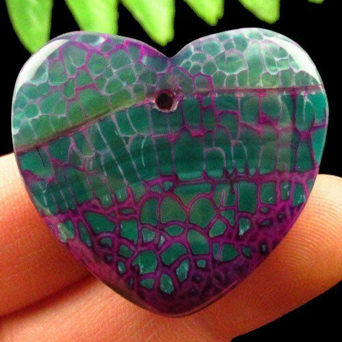 """תליון אגט אש ירוק סגול עיצוב לב במידה: 30*36 מ""""מ"""