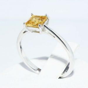 טבעת זהב לבן 10 קרט בשיבוץ סיטרין 1.10 קרט איכות AAA במידה: 7.25