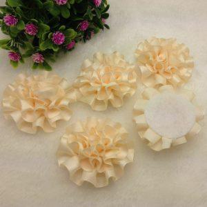 3 פרחים לקישוט אריזה בגוון שמנת זהוב