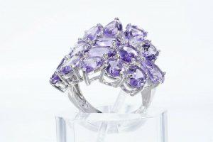 טבעת יוקרה כסף 925 בשיבוץ 16 אמטיסט 11.20 קרט במידה: 6.25