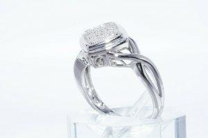 טבעת יוקרה כסף 925 בשיבוץ 17 יהלומים לבנים 06. קרט ניקיון: SI1 במידה: 7.25
