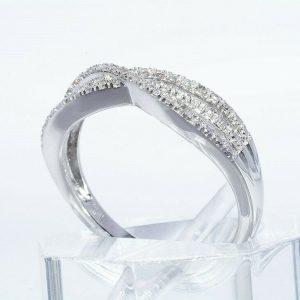 טבעת יוקרה כסף 925 בשיבוץ 32 יהלומים לבנים 16. קרט ניקיון: SI2 במידה: 7.25