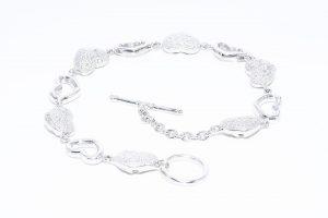 צמיד יוקרה כסף 925 עיצוב לבבות משובץ 10 יהלומים לבנים 10.קרט ניקיון יהלומים: SI3