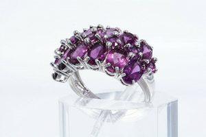 טבעת יוקרה כסף 925 בשיבוץ 19 גרנט רודולייט משקל: 4.20 קרט במידה: 6.25