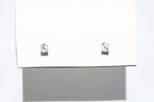 זוג עגילי זהב צהוב 14 קרט בשיבוץ יהלומים לבנים משקל: 08. קרט ניקיון יהלומים: I1