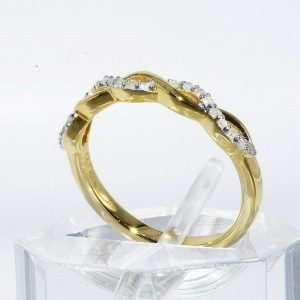 טבעת יוקרה כסף 925 ציפוי זהב בשיבוץ 21 יהלומים לבנים במשקל: 11. קרט מידה: 5.25