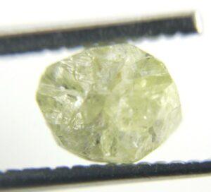 יהלום גלם אפרפר לליטוש במשקל: 1.87 קרט ניקיון: i3