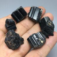 טורמלין שחור גלם במשקל: 10 גרם יחידה