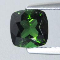 טורמלין ירוק מלוטש לשיבוץ - מוזמביק ניקיון: SI במשקל: 1.52 קרט